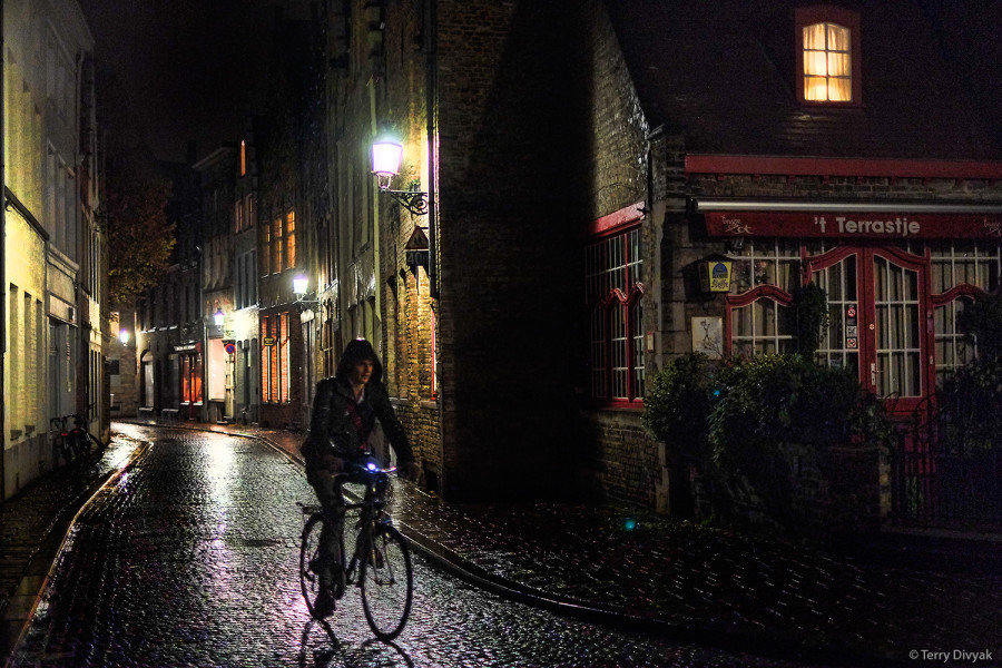 Brugges at Night